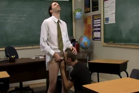 Teacher loves To hammer Students