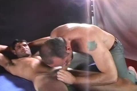 Turk And Hungarian pounding