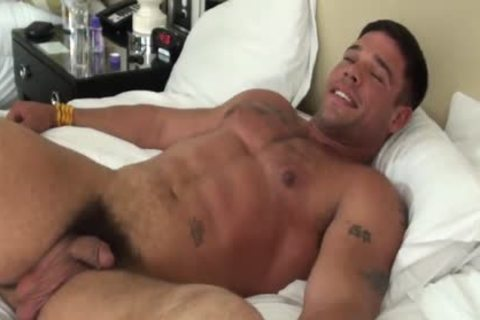 chic Muscle dude fastened And Tickled - Derek Atlas