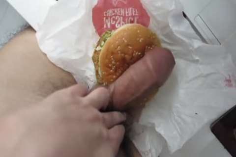 have a enjoyment The Rich cum Burger! Guten Appetit!