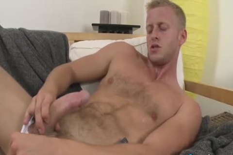 sexy Denis Reed Working Out A Messy Load Out Of his testicles