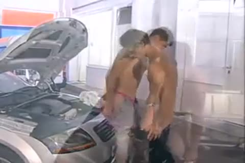 slutty boyz nailing On A Car