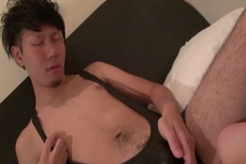 Tugging oriental discharges Load