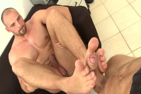 Muscle Daddy Foot And Facial
