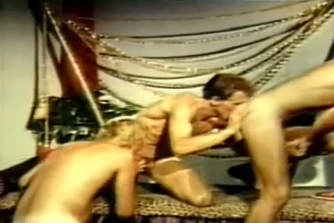The private Pleasures Of John Holmes Part two Gentlemens clip