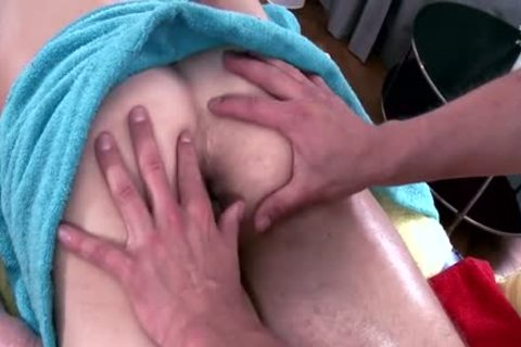 Muscle Daddy ass-copulation With Massage