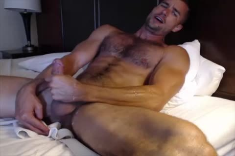 Dilf With Vibrating vibrator On cam