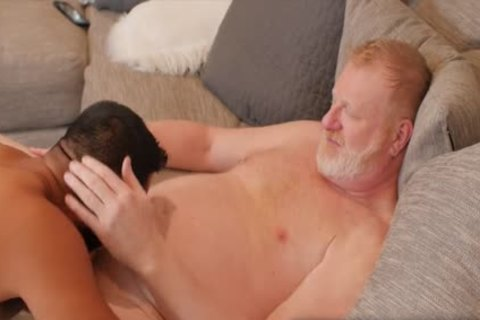 Ginger Daddy bonks hairy twink