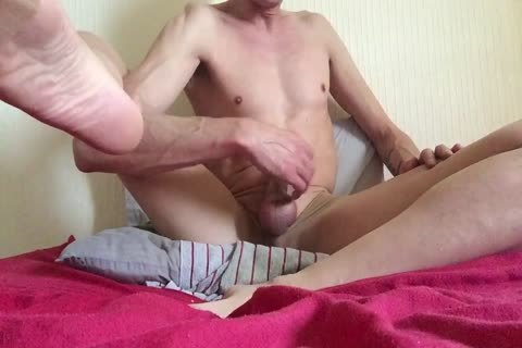 HAVING AN OILY NYLON jack off? NO cum THO