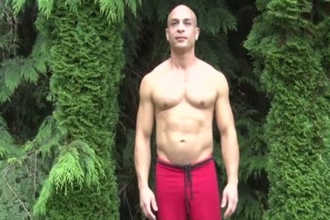 kinky Bald Muscle dude Shows Off His 9-inch Sausage