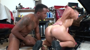studs In Public 34: Auto Body - African Love