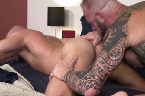 Damn! It Is large!!! – Vic Rocco & Killian Knox
