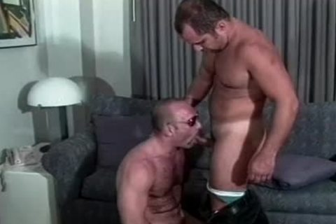 Muscly Hunk bonks A cute ass opening doggystyle