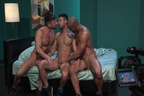 gay Pornstars Bruce Beckham, Jason Vario And Mick Stallone In gay Male Porn Tube clip scene