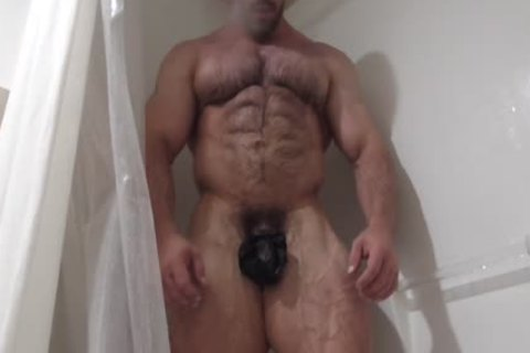 curly Muscle Hunk Oils Up