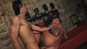 wazoo Trainer - master Ully with Peter Uman anal pound