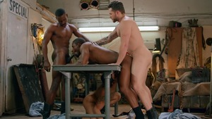 Tom Of Finland: Service Station: unprotected - Ricky Roman, River Wilson American nail