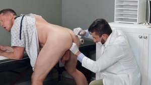 DrillMyHole.com: Athletic Pierce Paris handjob