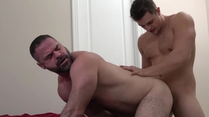 FamilyDick: Muscled Bishop Angus jerking Charlie Pattinson