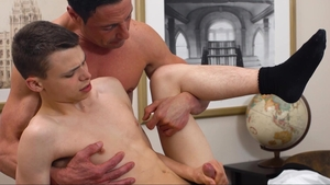 MissionaryBoys - Shaved Austin Xanders gloryhole 3some