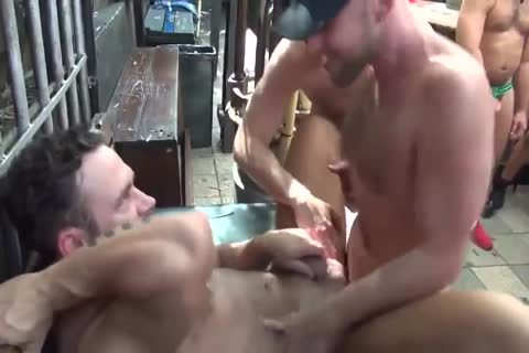 MusclePup Logan Moore gets bunch team-pounded Barebacked pound