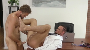 Icon Male - Wesley Woods playing with Michael Roman