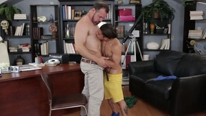 IconMale: Latin Armond Rizzo & muscle Max Sargent cock sucking