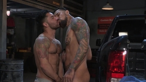 Hot House: Tight Boomer Banks driver pickup video