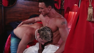FalconStudios.com: Gay Taylor Reign loves big cock Cade Maddox