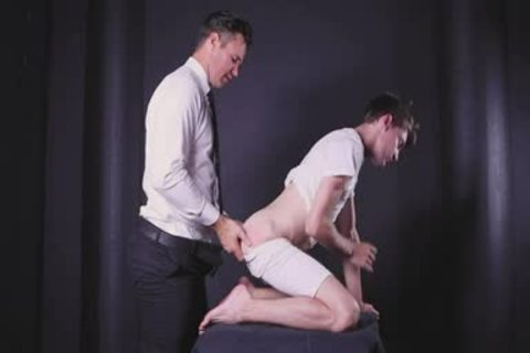 President Beau Reed Needs To pounds Missionary lad