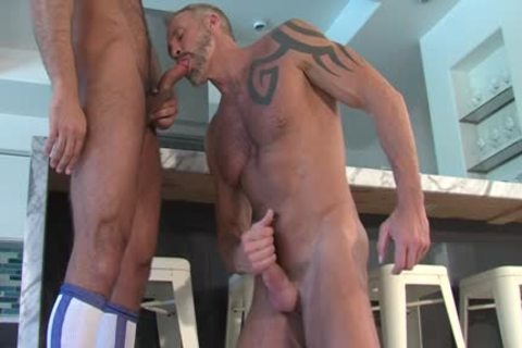 TITANMEN – OUT!: coach JESSE CUMS OUT TO DALLAS IN LIVE TV – DALLAS STEELE & JESSE JACKMAN